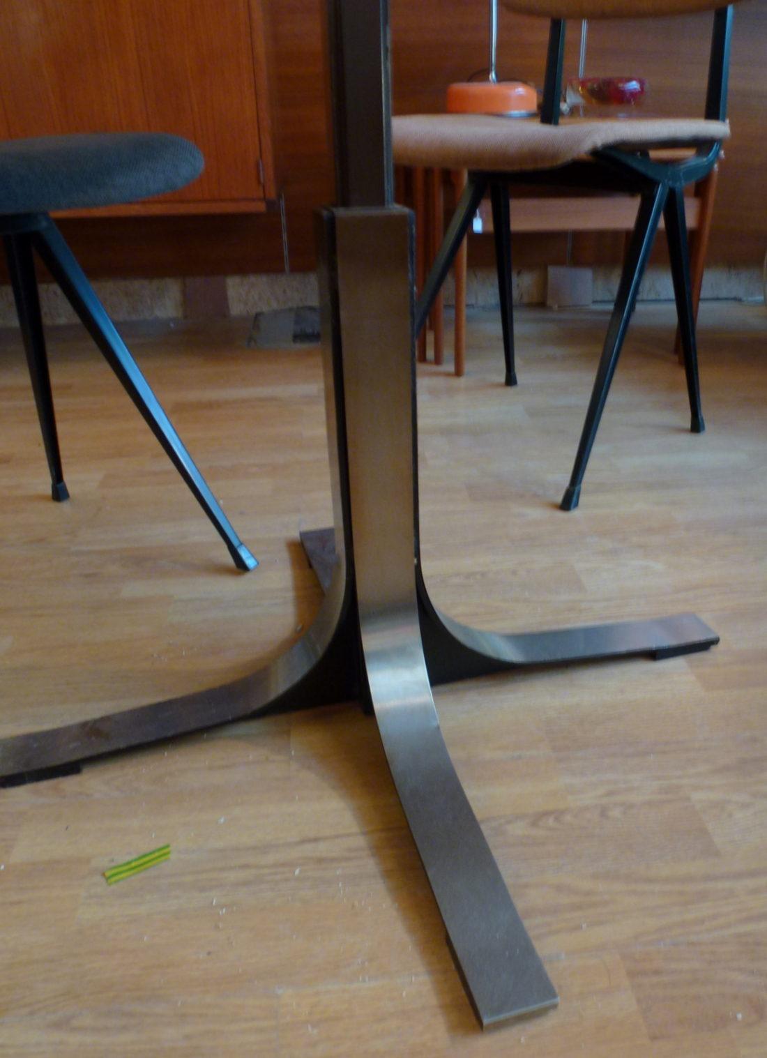 L 39 attrape coeur table t69 d 39 oswaldo borsani peut se - Table monte et baisse ...