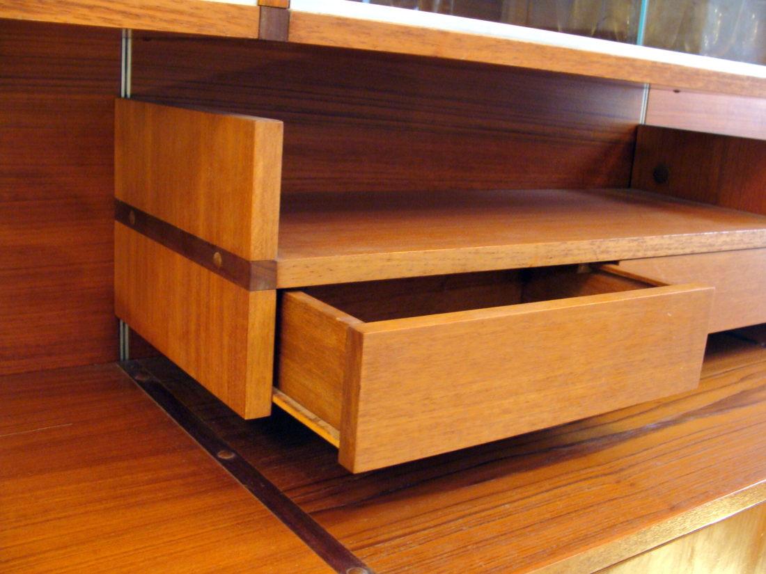l 39 attrape coeur elements muraux en teck d ssin par guariche pour les meubles minvielle a. Black Bedroom Furniture Sets. Home Design Ideas